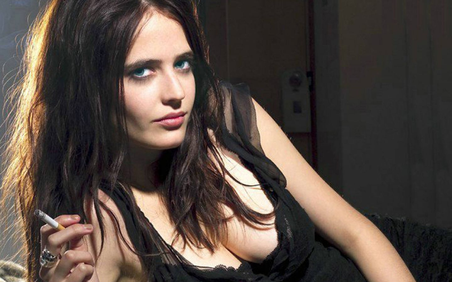 Eva Green Hot 2