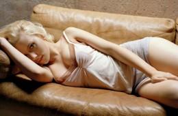 Scarlett Johansson Hot Wallapers 2012 (17)