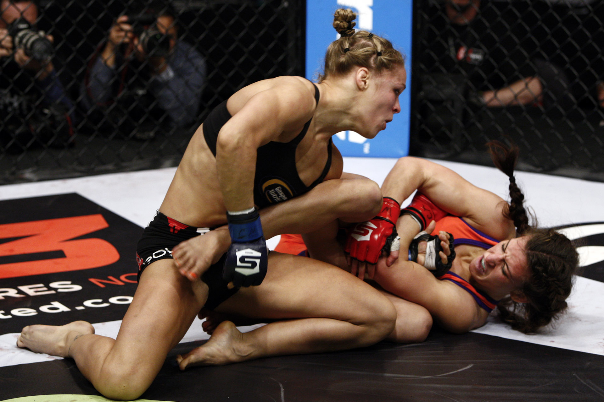 Strikeforce: Tate v Rousey
