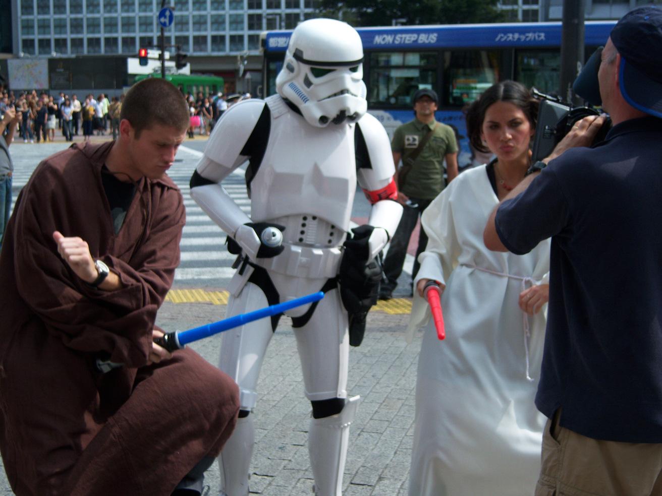 olivia-munn-dancing-stormtrooper