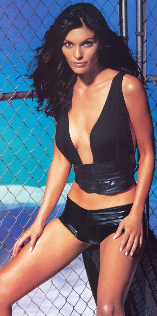 SHACK HOUSE: ALANA DE LA GARZA (WOMAN CRUSH WEDNESDAY #WCW