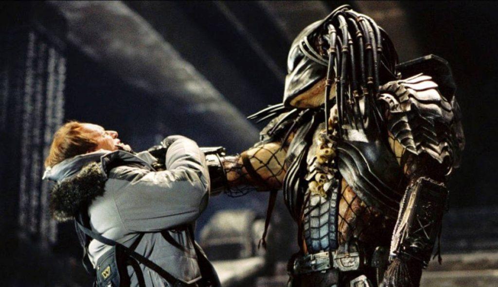 Lance-Henriksen-Alien-vs-Predator-AvP-1200x692