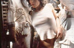 Sigourney Weaver hides from Alien