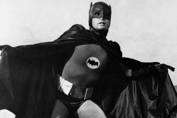 American actor Adam West (William West Anderson)  wearing the costume of the comics superhero Batman and acting in the TV serie Batman. 1966 ©MP/Portfolio/Leemage