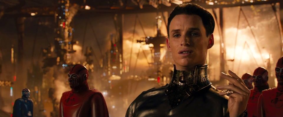JUPITER-ASCENDING-Trailer-2-7