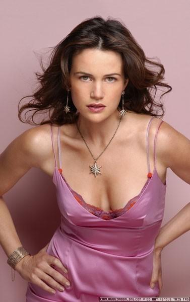 Carla-Gugino-Pink-Dress-Photoshoot-carla-gugino-8978486-377-600