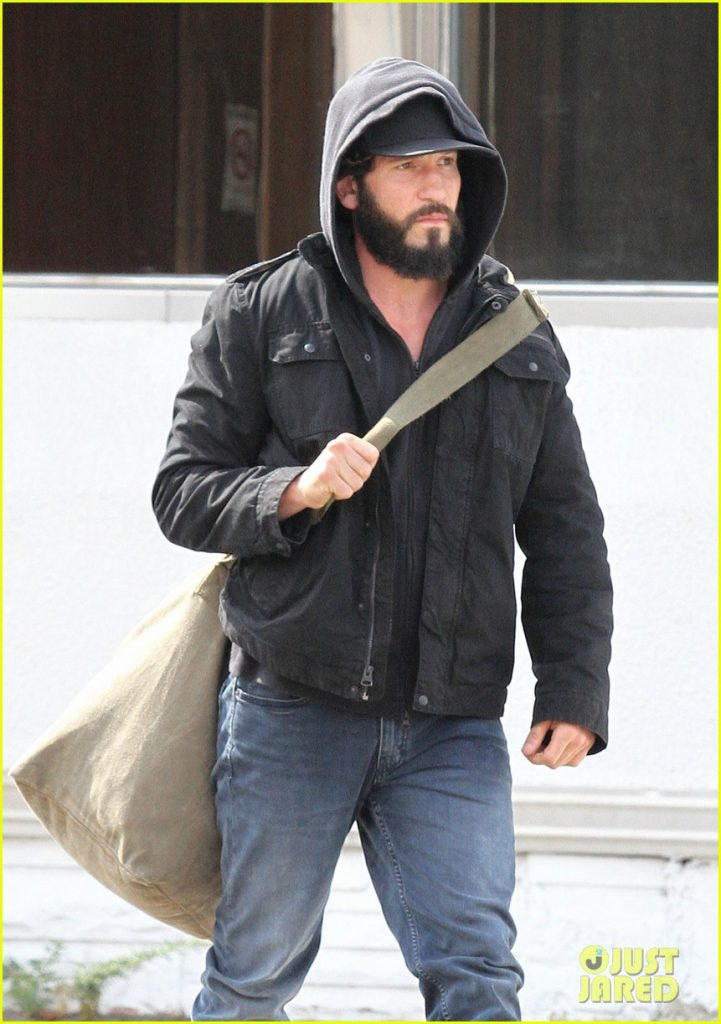 jon-bernthal-starts-filming-the-punisher-first-set-photos-04
