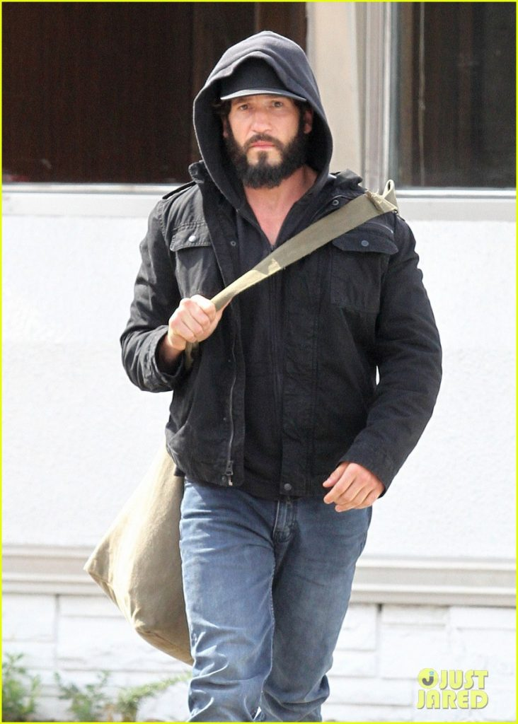 jon-bernthal-starts-filming-the-punisher-first-set-photos-08