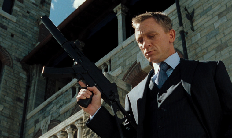 casino royale #bond_age_ live tweet