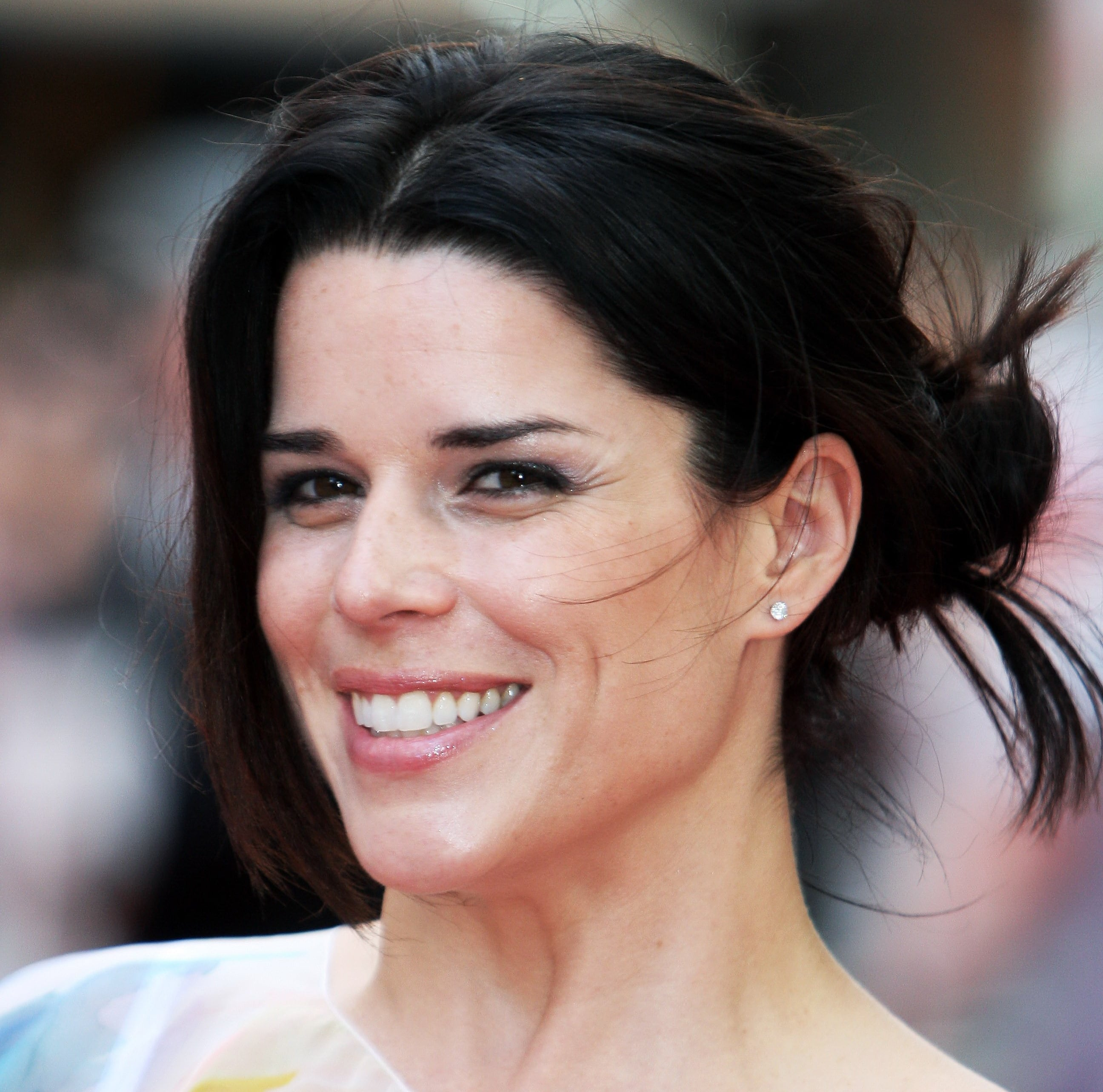 shack house neve campbell  woman crush  wednesday wcw